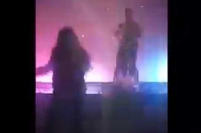 Regidora organiza fiesta con strippers y acaba con acto sexual