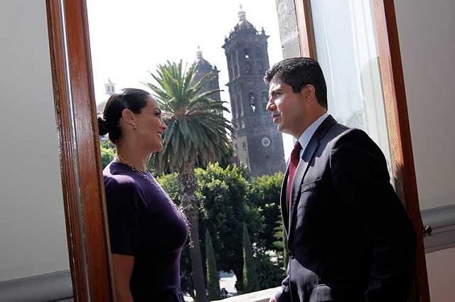 Roban camioneta a esposa del exalcalde Eduardo Rivera