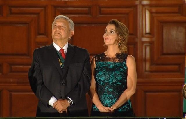 Este es el vestido de esposa de López Obrador en noche del grito