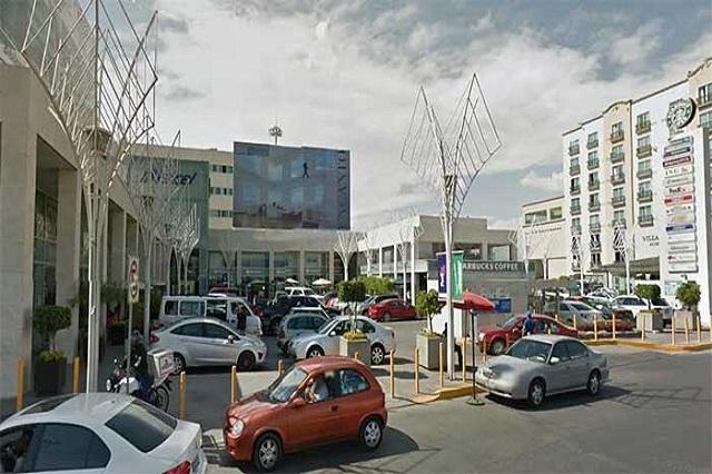 Defienden centros comerciales cobro de estacionamiento