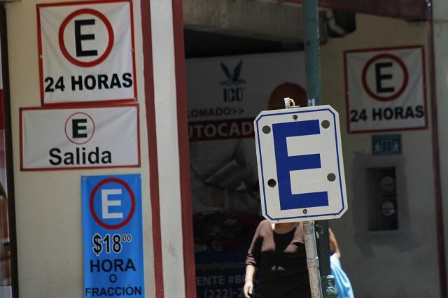 Estacionamientos no están respetando nuevas reglas de cobro, dice diputado