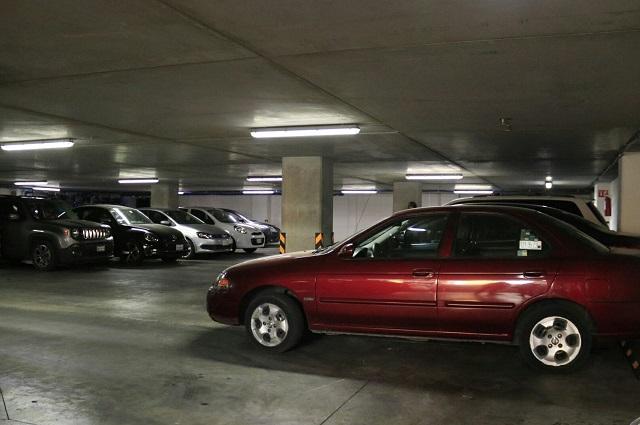 Alistan ley para regular tarifas de estacionamientos de Puebla
