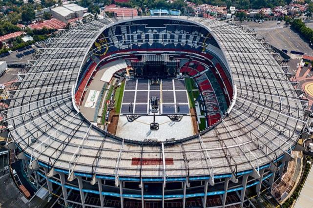 Concierto de Shakira dejó en pésimas condiciones el estadio Azteca