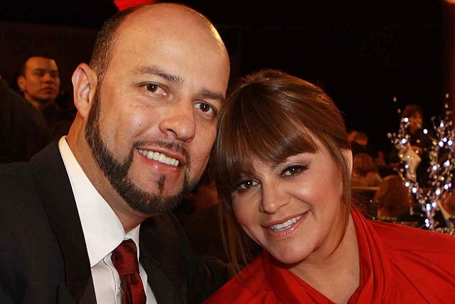 Dan 3 años de prisión al viudo de Jenni Rivera