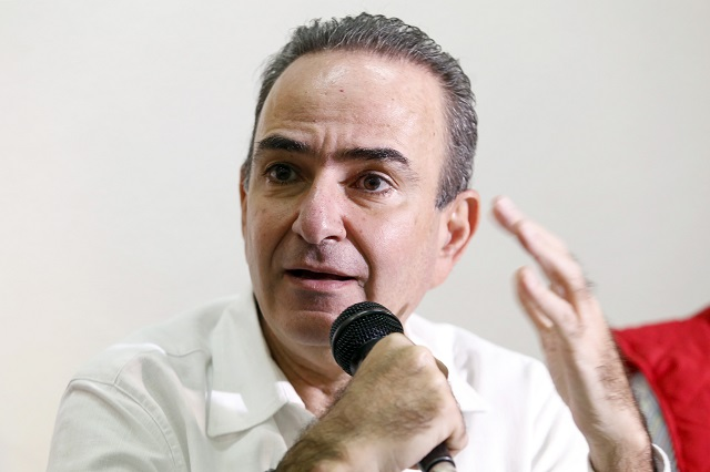 El priísta Jorge Estefan evade hablar de sus relojes de súper lujo
