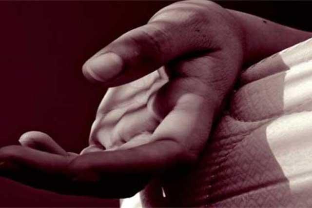 Joven drogado estrangula a su abuela, en Huixcolotla