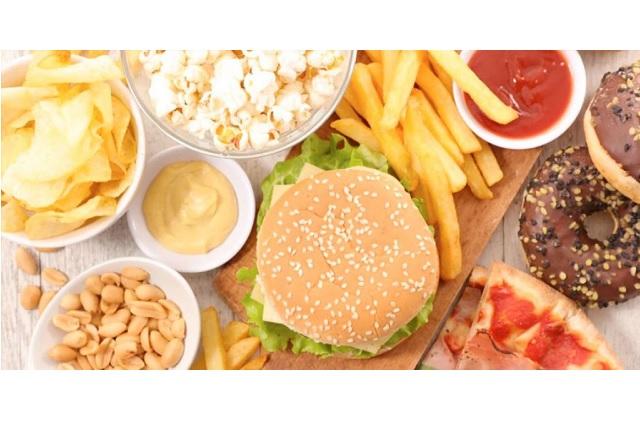 Te explicamos por qué el estrés provoca la necesidad de ingerir comida chatarra