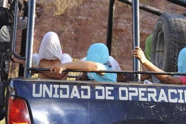 Tras ataque de policías, no aparecen más de 30 alumnos de Ayotzinapa