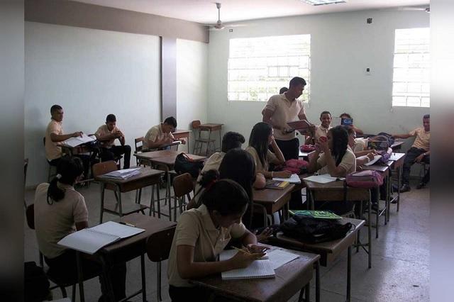 Por crisis económica en Atlixco escuelas públicas aumentan su matrícula