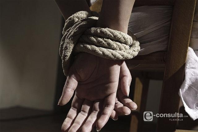 Pagan rescate y liberan a 2 maestras secuestradas en Jalpan