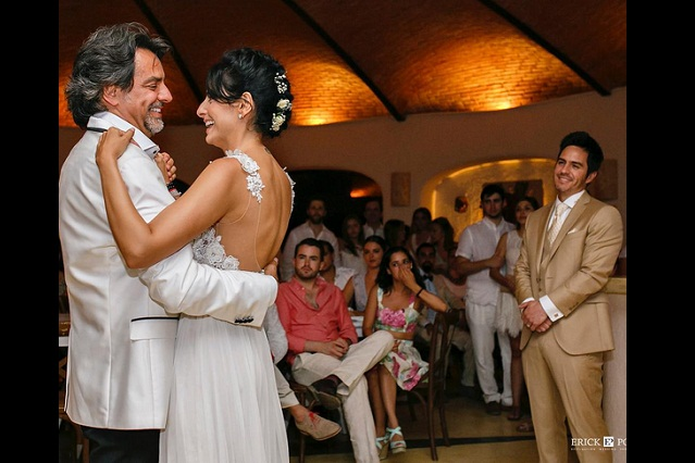 Eugenio Derbez ha llorado mucho tras boda de Aislinn