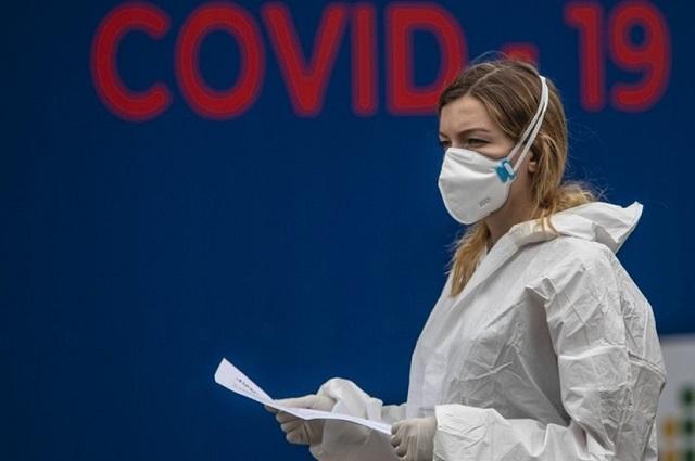 Récord de casos de Covid-19 reportan en Italia y Francia