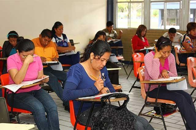 Denuncian anomalías en evaluación de docentes en Puebla