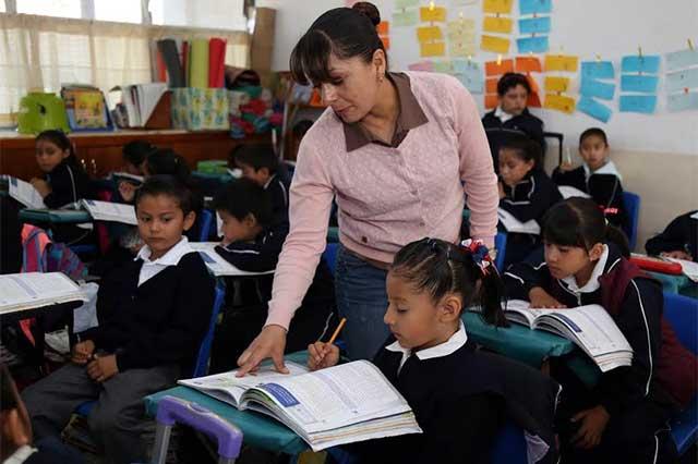 Recibirán 78 mil maestros poblanos alza salarial del 3.4%