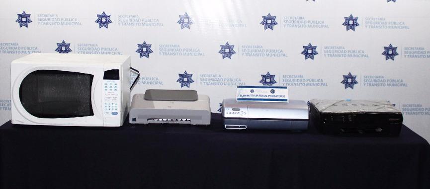 Policía Municipal detiene a dos por robo a casa habitación