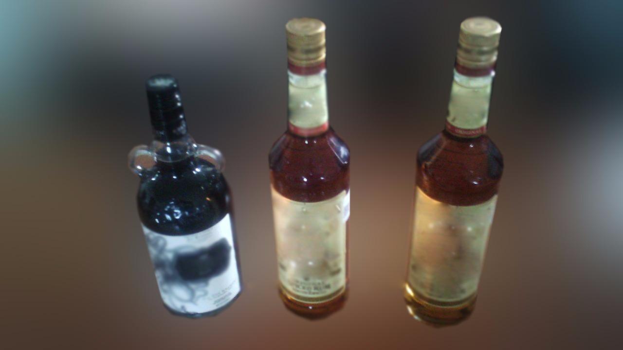 Se roba 3 botellas del Oxxo y lo detienen en San Antonio Abad