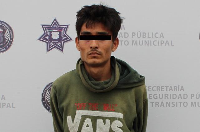 Lo detiene seguridad municipal de Puebla por robo de autopartes
