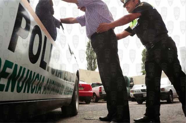 Capturan a un ex funcionario que falsificó recibos de agua