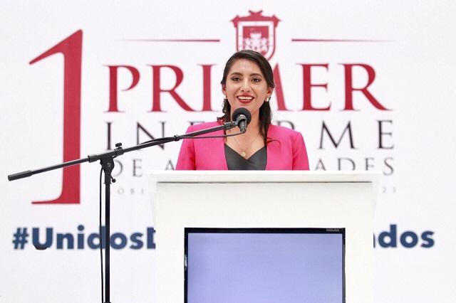 Angélica Alvarado rinde con éxito su primer informe de gobierno
