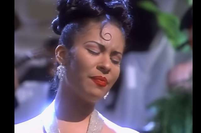 Revive algunos de los éxitos de Selena Quintanilla a 25 años de su muerte