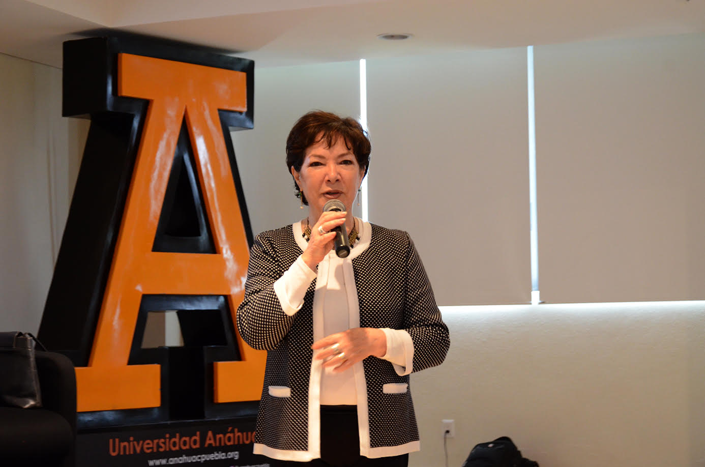 Experta impartió Cátedra Prima en  Psicología, en Universidad Anáhuac