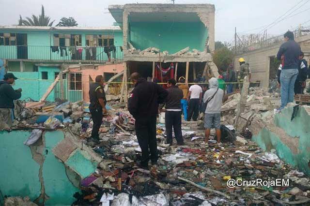 Explosión en Tultepec deja un saldo de 3 personas muertas