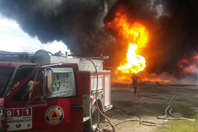Explosión en Los Reyes de Juárez pudo ser causada por combustible