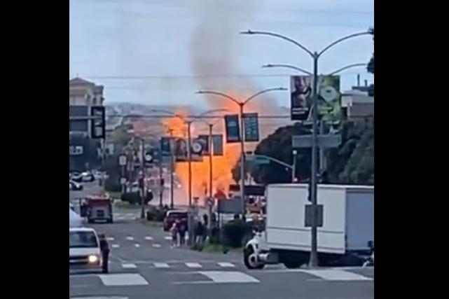 Explota tubería de gas en San Francisco y se incendia un edificio