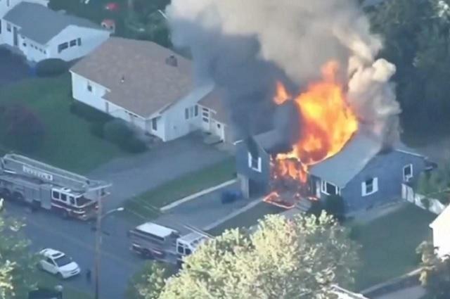 Explosiones por fuga de gas dejan saldo de un muerto en Massachusetts