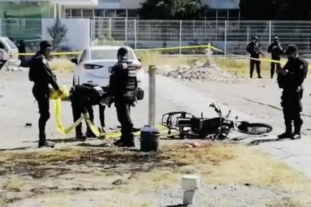Incendio de motocicleta fue por detonación afuera de San Miguel