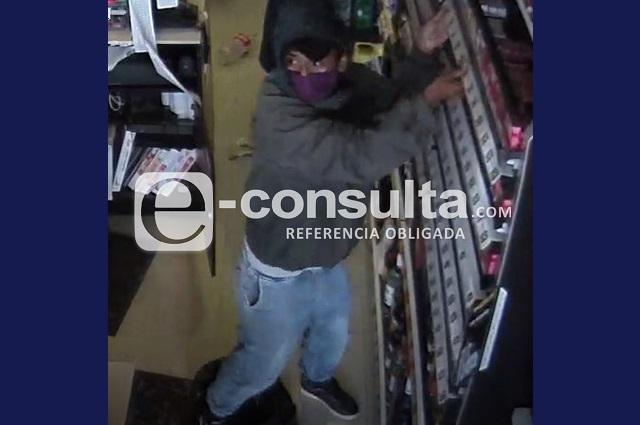 Asaltan Oxxo de San Manuel y se llevan 30 mil pesos