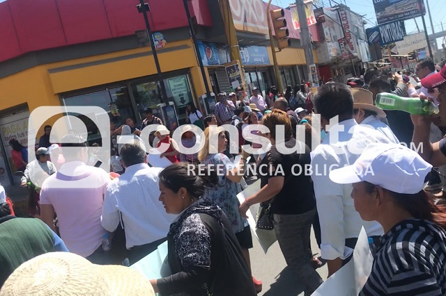 Habitantes de Xochimehuacán reabren federal Puebla-Tlaxcala
