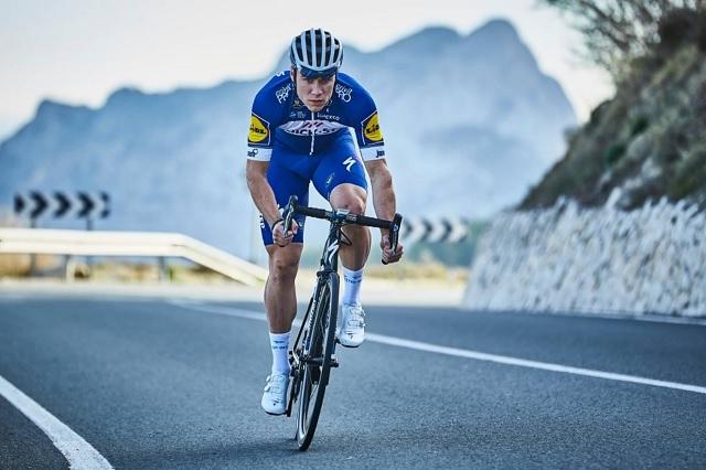Jakobsen regresa al ciclismo tras accidente que lo dejó en coma