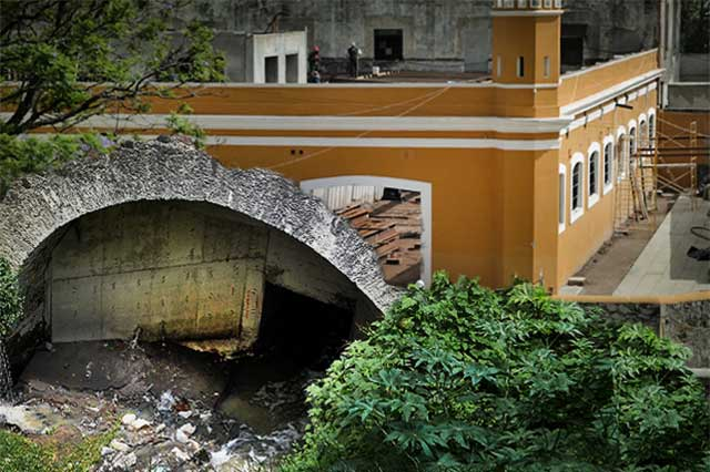 Aguas de caño fluyen en el nuevo parque de La Constancia