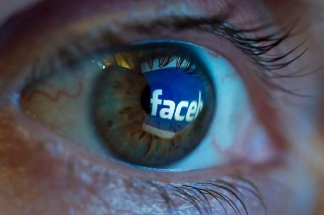 Mujer de 44 años finge tener 15 en Facebook para tener sexo con jóvenes