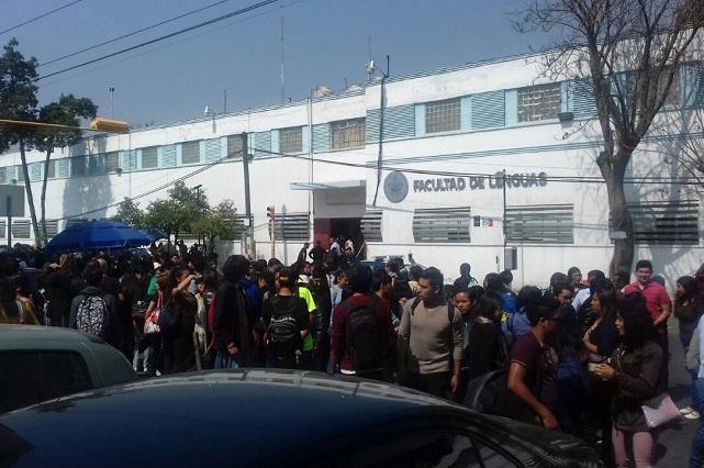 Evacúan la Facultad de Lenguas BUAP por amenaza de bomba