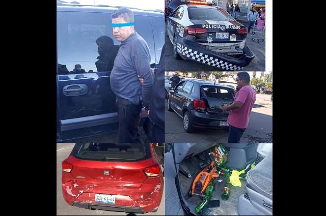 Conductor ebrio choca con autos y patrulla en Amozoc