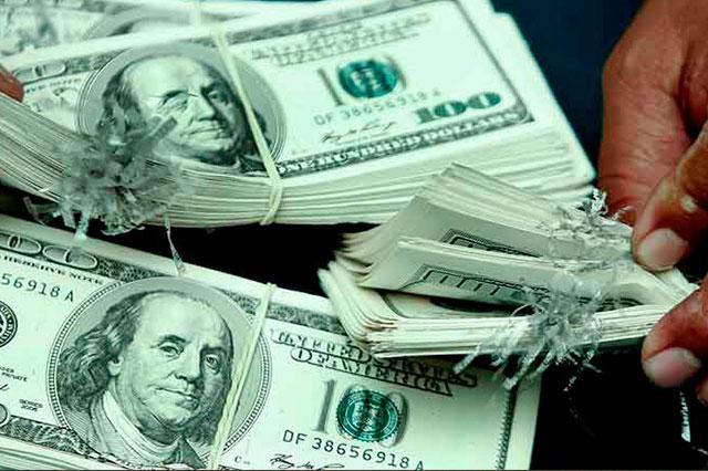 Decomisan en Puerto Vallarta paquete con 164 mil dólares falsos