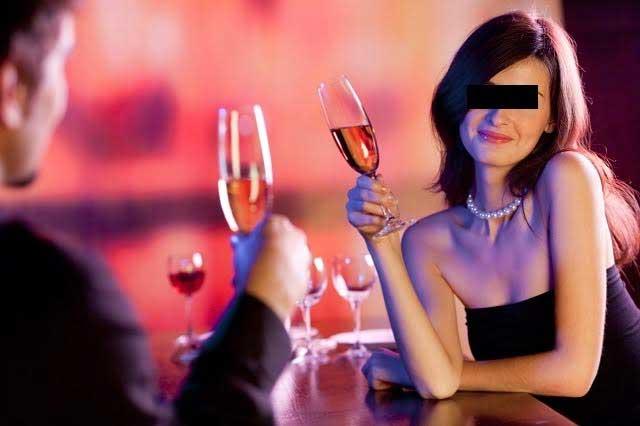 Lo engañan en redes sociales con cita amorosa y le propinan golpiza