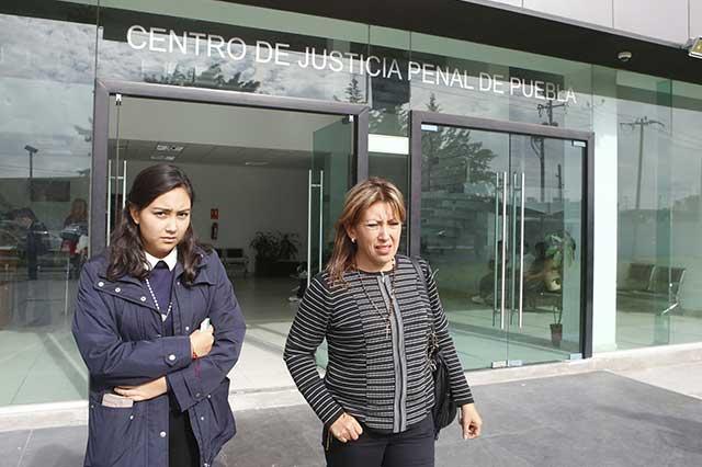 Familia de Mara Castilla pide ayuda a Peña Nieto y Osorio Chong