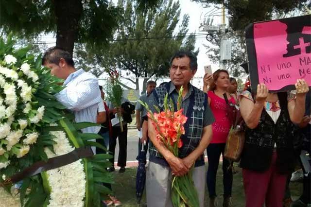 Familiares de asesinadas al frente de marcha contra feminicidios