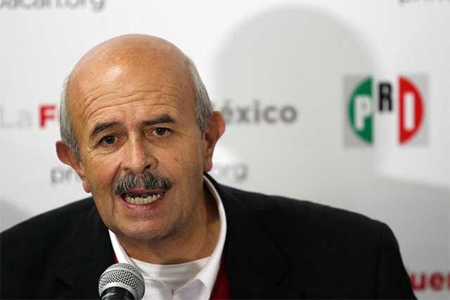 El PRI quiere echar a Fausto Vallejo y él presume que puede volver a ser gobernador