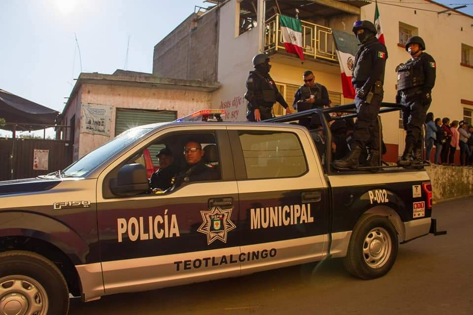 Acuden a calmar riña y matan a 2 policías en Teotlalcingo