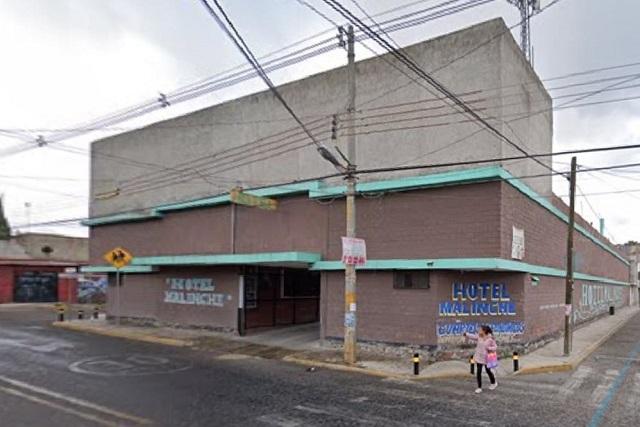 Sujeto balea al amante de su esposa en motel de Puebla