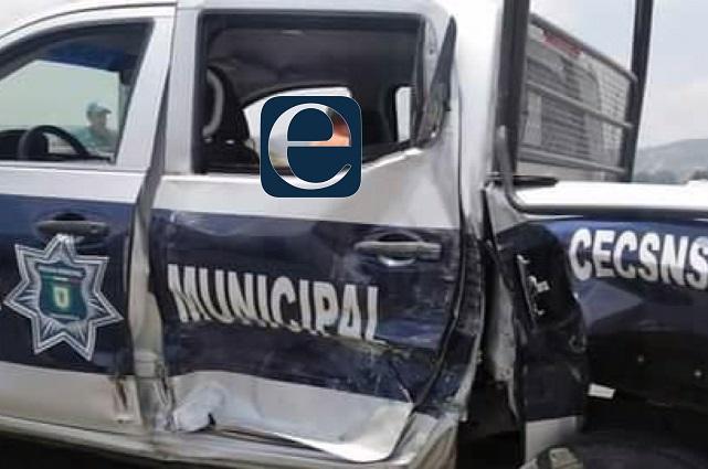 Chocan patrulla y camión de volteo en Amozoc; 1 herido
