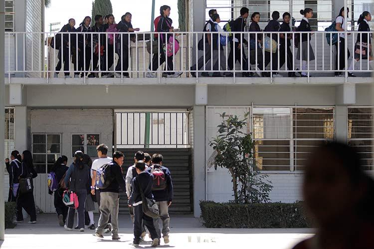 Escuelas dañadas por el sismo ya presentaban sobrepoblación
