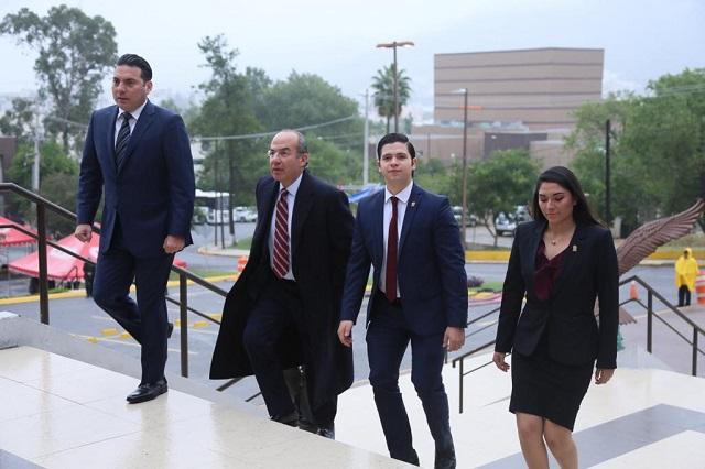 Calderón desmiente a Fox y asegura que no se ha reunido con él