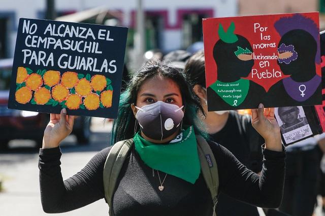 En Acatlán de Osorio recuerdan a víctimas de feminicidios