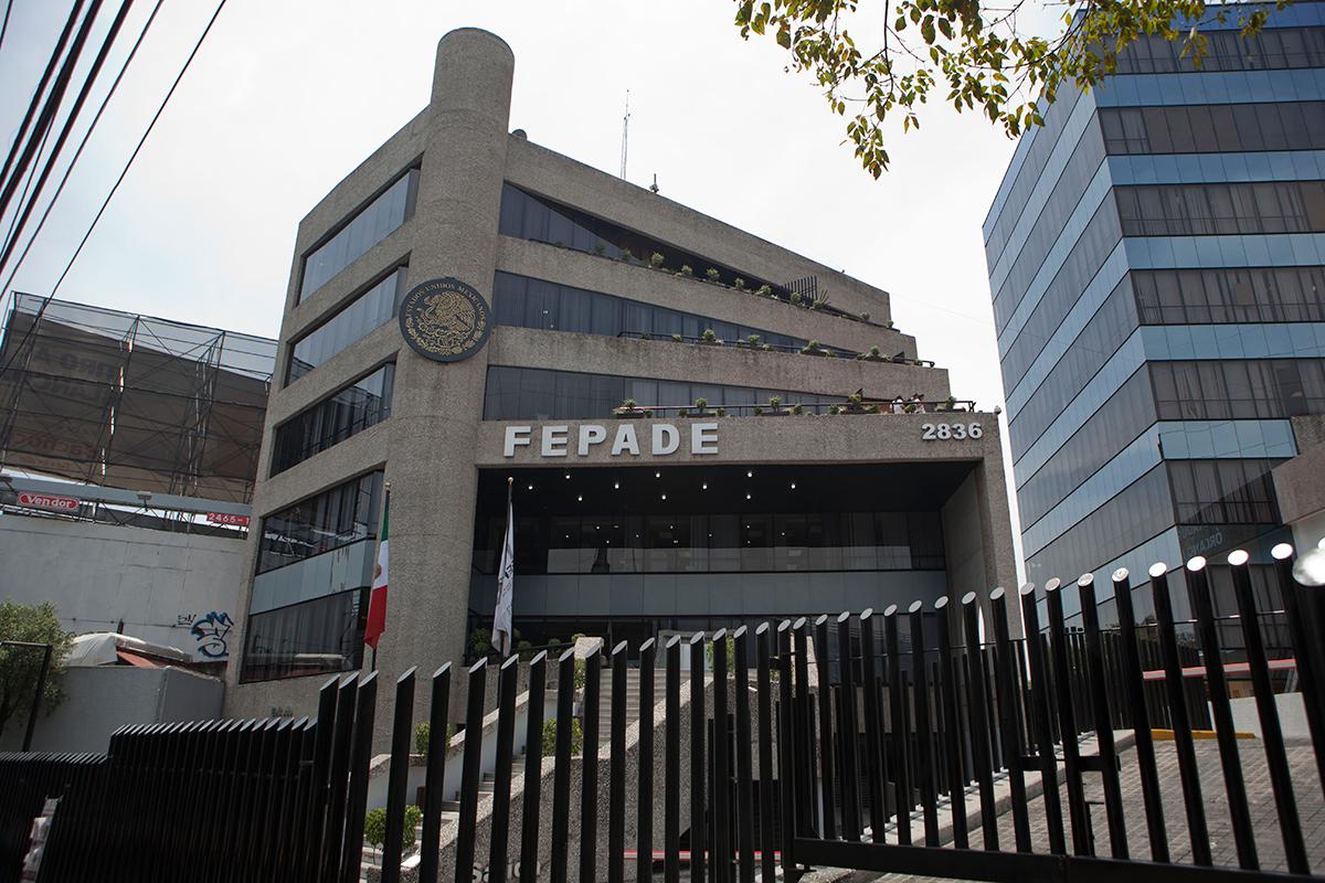 INE denuncia en la FEPADE firmas falsas de independientes