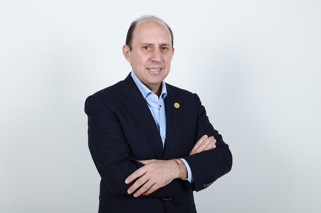 Hay la oportunidad de honrar el servicio público: Manzanilla